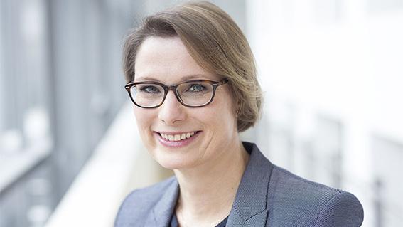 Dr. Stefanie Hubig - Schirmherrin Verrückt? Na und!
